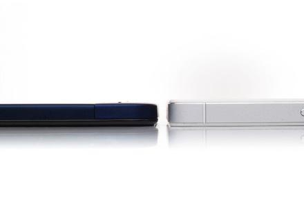 Сравнение толщины Vivo X3 и Ascend P6 (справа)