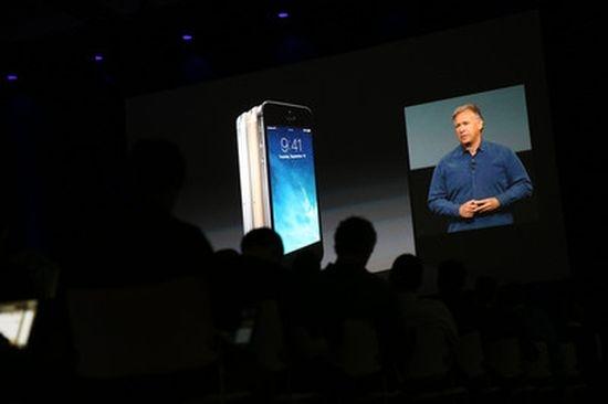 Apple представила смартфоны Apple iPhone 5S и iPhone 5C