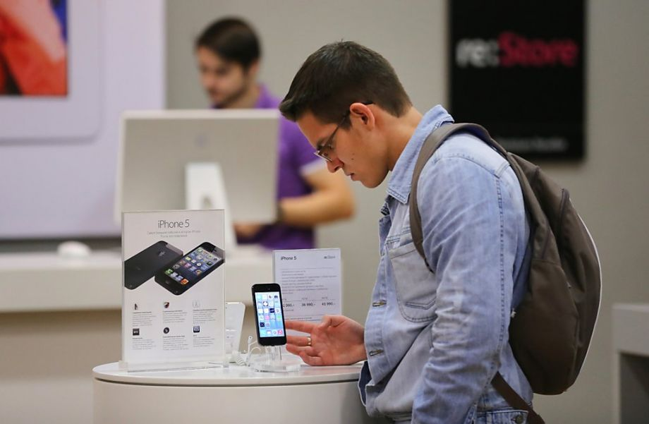 Популярность iPhone падает