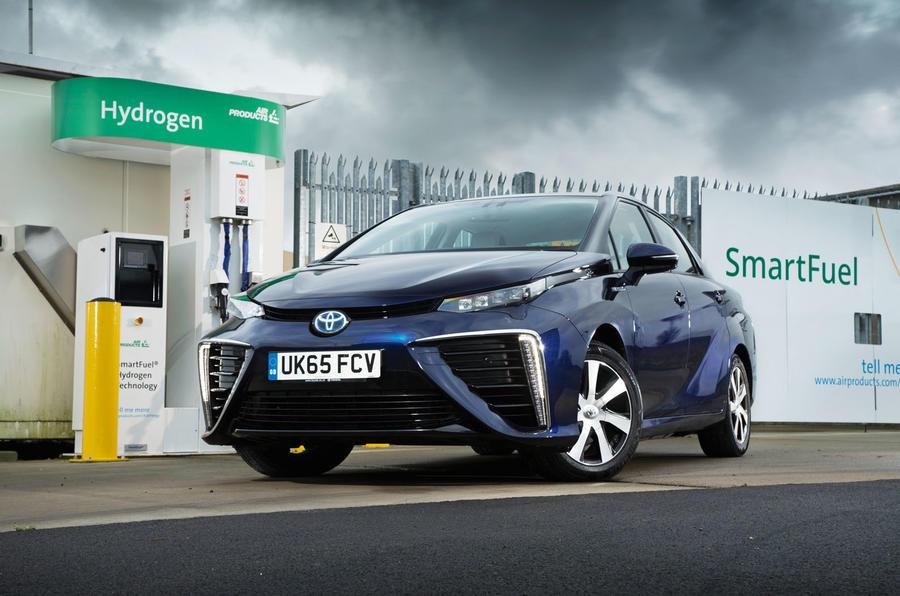 Toyota Mirai - авто на водородном двигателе